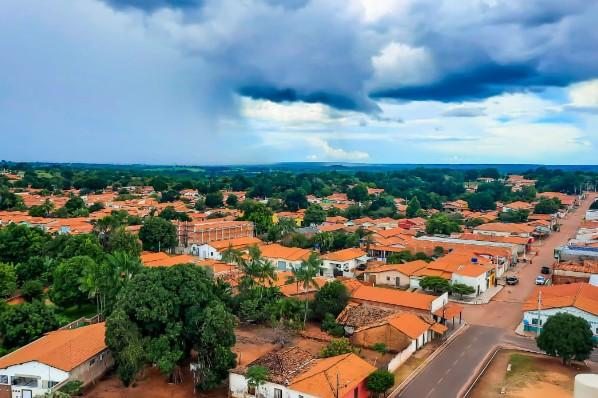 Prefeito Domingos França assina novo decreto com medidas para conter o avanço do coronavírus em Montes Altos
