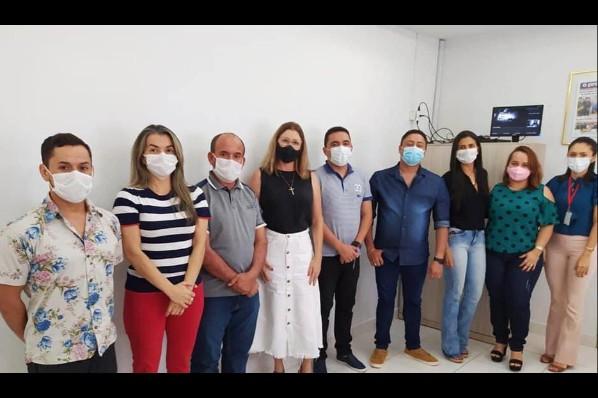 Profissionais de Montes Altos debatem saúde mental em Sítio Novo