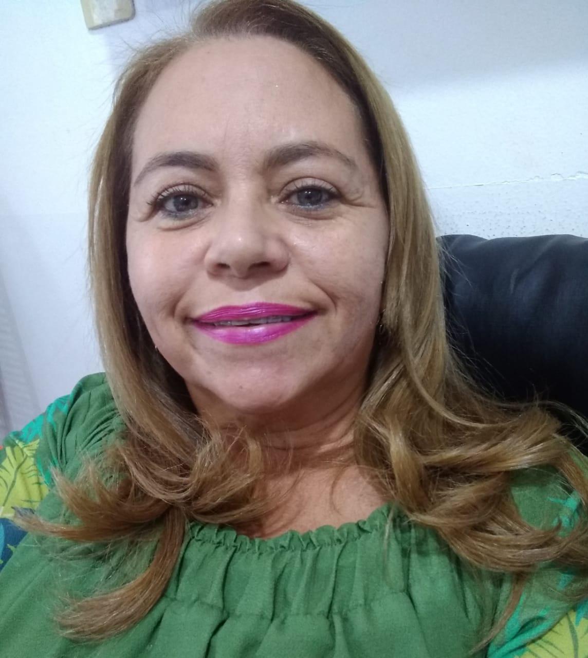 Elizete Barros de Castro